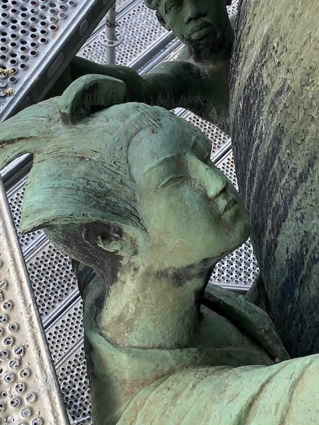 Detailaufnahme Weltpostdenkmal